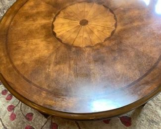 Round cocktail table coffee table