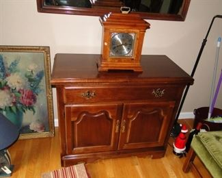 Bar server and clock
