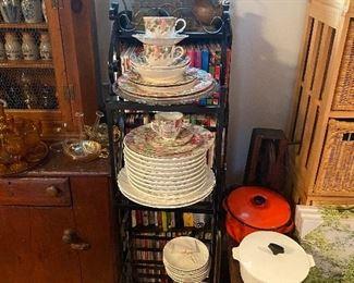 Enamelware/Corning Pots