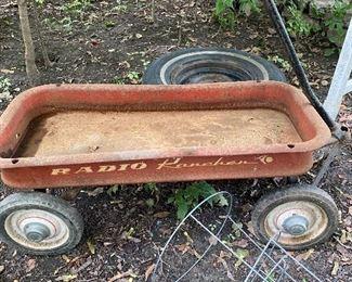 Vintage Radio Wagon