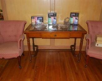 Stunning Walnut Table