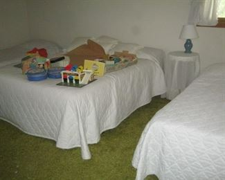 Full size bed and twin beds