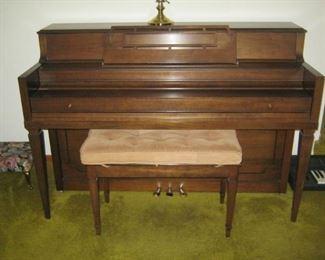 Lyon & Healy piano, 1970