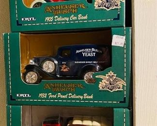 004 9 Anheuser Busch DieCast Metal Collectible Banks