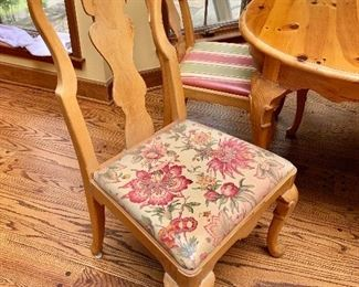 Detail; floral seat