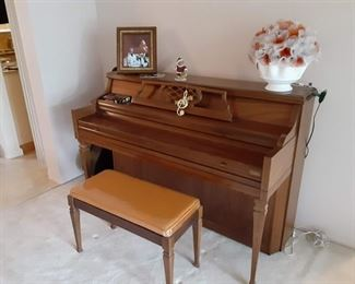 Grinnell spinet piano $50