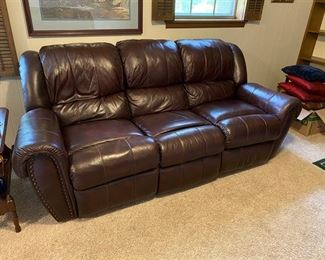 Lane Leather Sofa Reclines On Both Ends