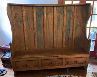 Antique Early American Pennsylvania Pine Settle Bench 3-drawer Hooded Top Curved Museum Quality circa 1720 18th Century Primitive