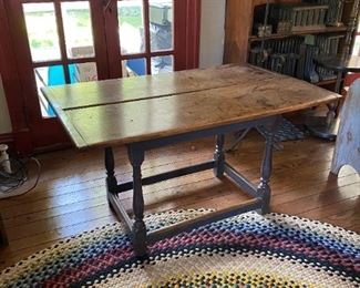 New England Tavern Table Turned Legs Circa 1720 18th Century Early American Stretcher Base