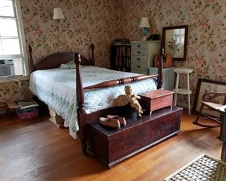 L-B1-1   Antique Queen Bed   $225