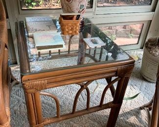 #6	Rattan End Table w/glass top 20x23x22	 $30.00 	 call 256-603-4198