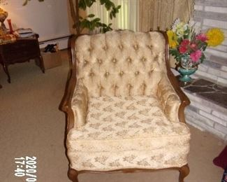 1960'S FRENCH PROVINCIAL MATCHING SIDE CHAIR