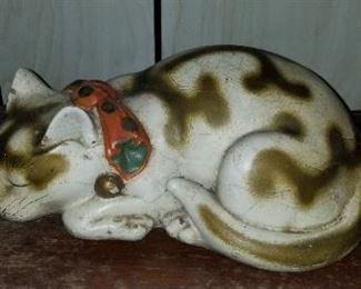 Vintage chalk cat