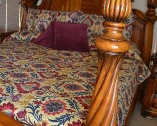 AICO-MICHAEL AMINI king size bed