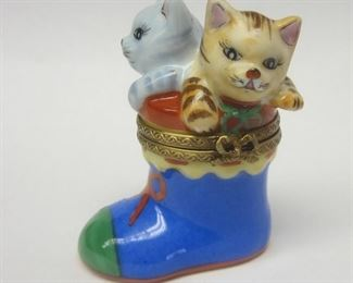 """A Peint Main Dubarry Porcelain de Limoge trinket box in the form of kittens in a boot.  2.25"""" tall.  Hinged lid fits slightly loose."""