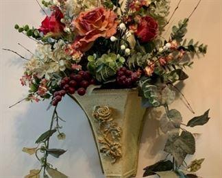 $10.00........Floral Wall Decor (J587)