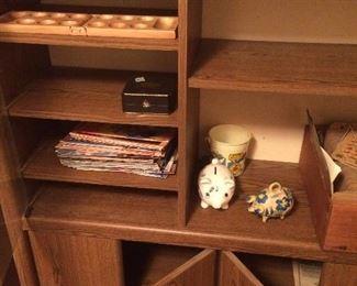 Cabinet/Shelves