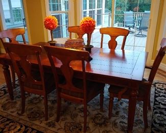 traditional /contempory dining table and chairs
