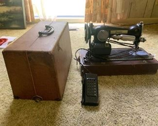 Compac Sewing Machine with Case