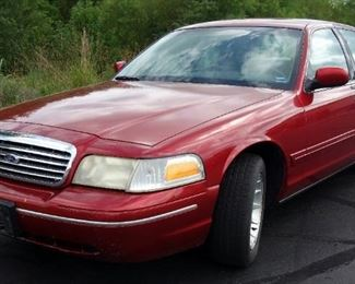 1999 Ford Crown Victoria LX Passenger Car, 4.6L, 125,714 Miles, VIN # 2FAFP74W8XX14827