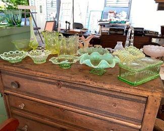 Assorted glassware.... Vaseline Glassware