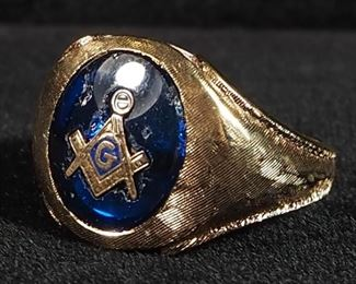 10K Gold Mens Masonic Ring With Blue Glass, Size 8-3/4, 9.1 g Total Weight