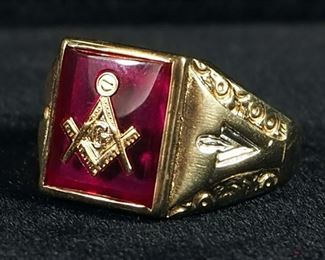 10K Gold Red Glass Masonic Ring, Size 9-1/4, 8 g Total Weight