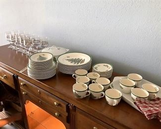 https://connect.invaluable.com/randr/auction-lot/spode-christmas-tree-china-set_3E0421092A