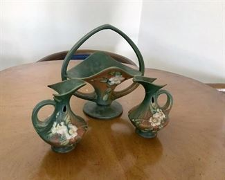 https://connect.invaluable.com/randr/auction-lot/vintage-roseville-white-rose-pottery-set_11A4721AB9