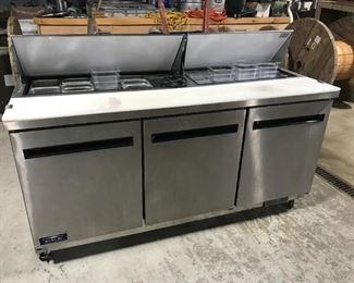 Artic Air Sandwich/Salad Prep Table w/ Refrigerated Base