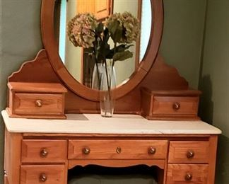 Dressing table & bench