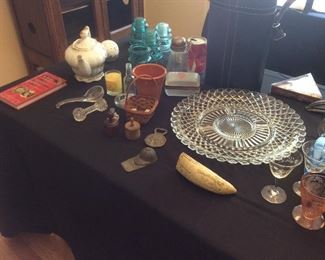 miscellaneous glass collectibles