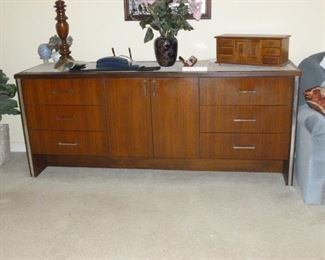 Mid-Century Long Dresser by Broyhill