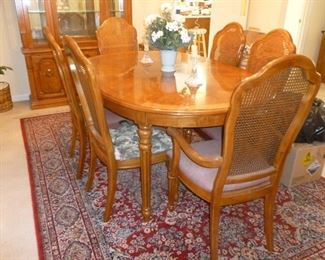 Thomasville Table & Chairs