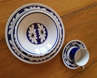 SET OF IRONSTONE DISHES FOR EVERYDAY