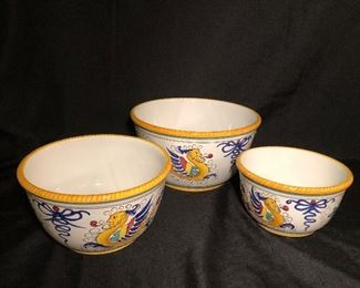 Williams Sonoma Nesting Bowls