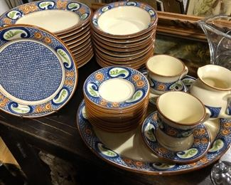 Lots of great vintage ceramic dish sets..