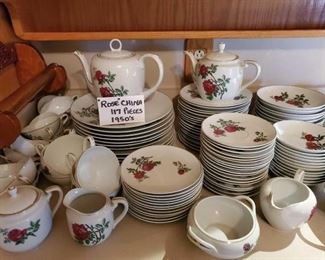 Fine Rose China from the 1950's, 117 Pieces.