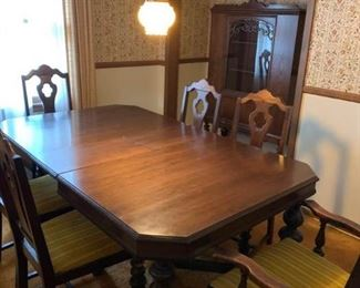 001 Gorgeous Antique Dining Room Service