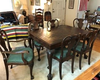 ANTIQUE FRENCH DINING TABLEA ND 6 CHAIRS, TWO LEAVES.