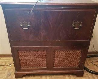 "Vintage Philco Dark Brown Console Stereo | 34"" L x 15"" W | Works!"