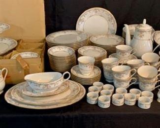 "CLEARANCE !  $80.00  NOW, WAS $300.00..........Beautiful Large Noritake Ivory China Set ""Gallery""  119 Piece Set (T073)"