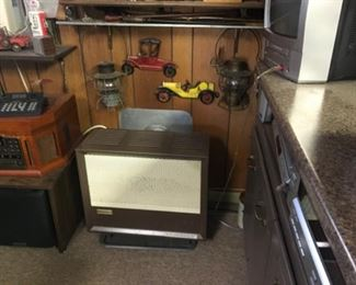 Replica of old radio/ stereo. Cast aluminum cars, toy gas tank Model.
