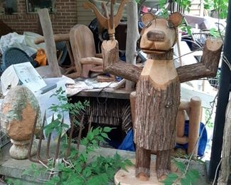 Wood carved bear and outdoor decor