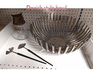 Lot 1507 Shelf lot Owl and metal Danish style bowl
