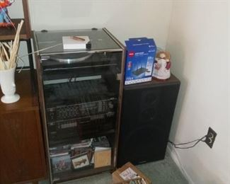 Sanyo Stereo System Set $75 - Unsure of functionality