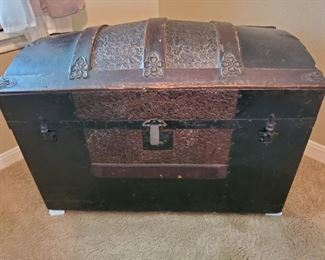 Antique Hump Back Trunk