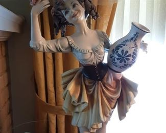 Capodimonte Italian Porcelain Table Lamp w Fringed  Shade (Girl)