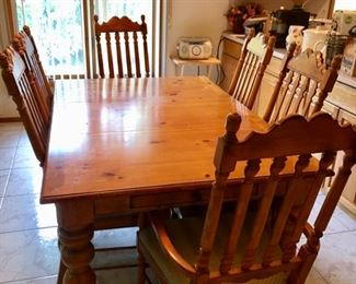 DREXEL Rustic pine dining table & 6 chairs