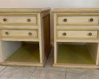 2pc Hand Carved Mexican MCM End Tables/Nightstands PAIR	25x20x28in	HxWxD